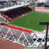 花園ラグビー場の観客席を覆う屋根を増設すべき?